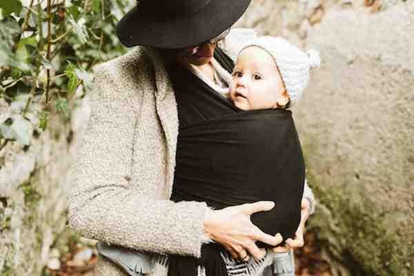 Comment s'habiller avec un Porte-bébé ?