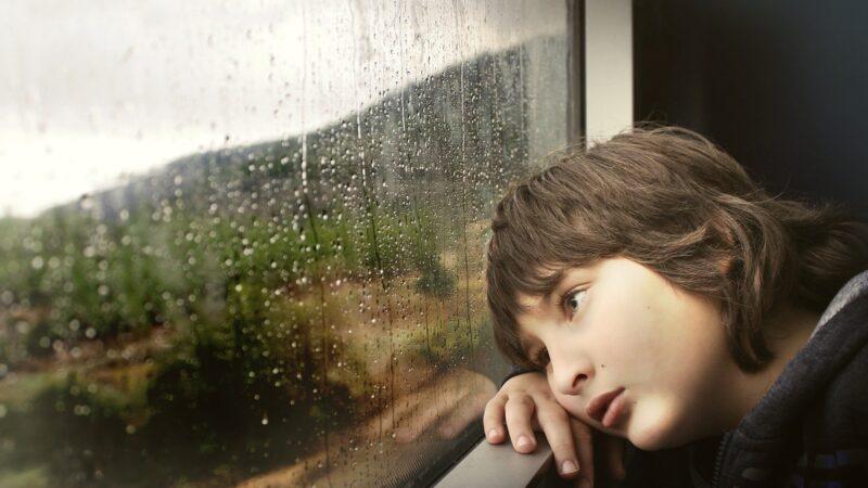 Quelle autorisation de sortie du territoire pour enfants de parents divorcés?